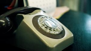 old-desk-phone
